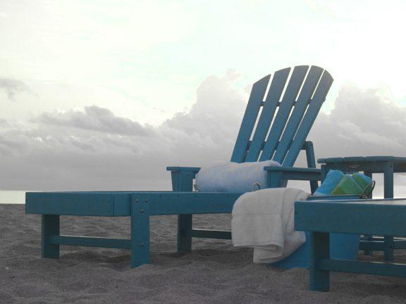 Polywood south beach chaise lounge terrabound solutions for Chaise lounge beach